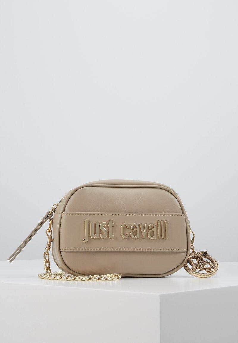 Just Cavalli - Taška spříčným popruhem - taupe