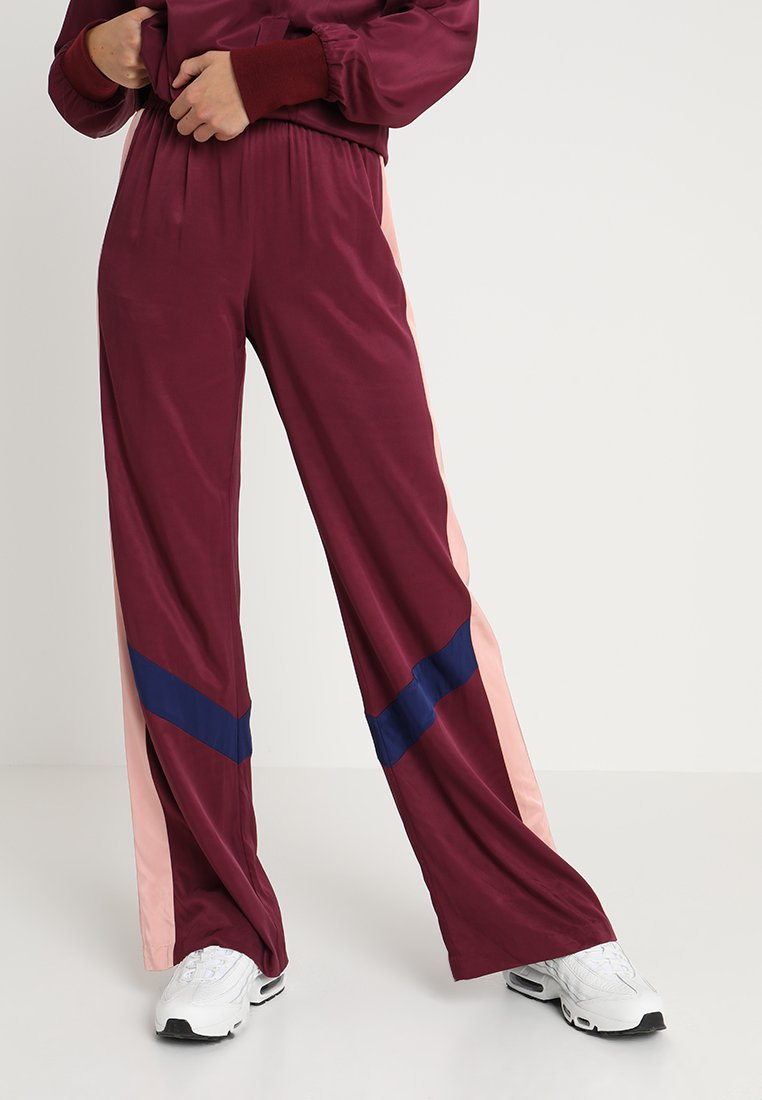 Juicy Couture - TRACK PANT - Pantalones - wine