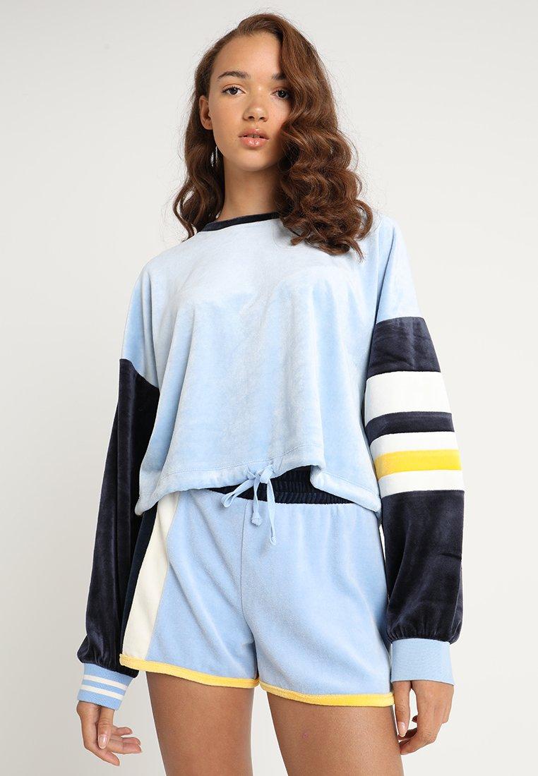 Juicy Couture - COLOURBLOCKED LIGHTWEIGHT - Sweatshirt - blue chill