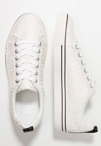 Juicy by Juicy Couture - CHRISTY - Sneaker low - bleached bone - 3