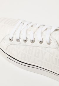 Juicy by Juicy Couture - CHRISTY - Sneaker low - bleached bone - 2