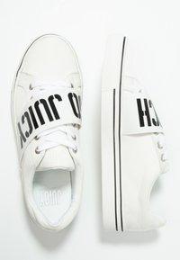 Juicy by Juicy Couture - CLORINDA - Sneaker low - bleached bone - 3