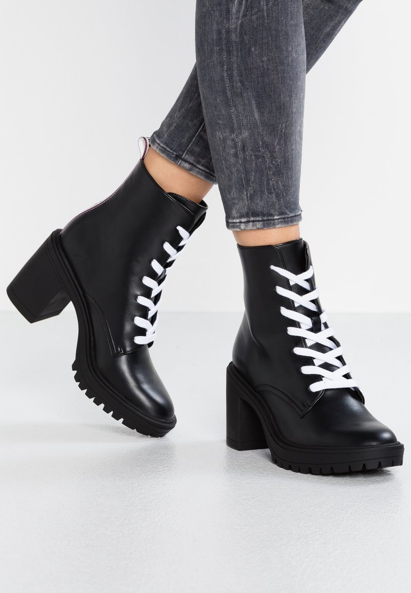 Juicy by Juicy Couture - ILVA - Platform ankle boots - pitch black/white