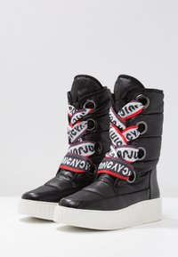 Juicy by Juicy Couture - DILETTA - Plateaustiefel - pitch black - 4