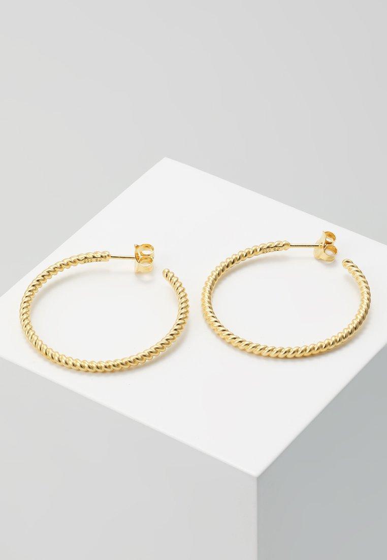 Julie Sandlau - TWISTED HOOP - Ohrringe - gold-coloured