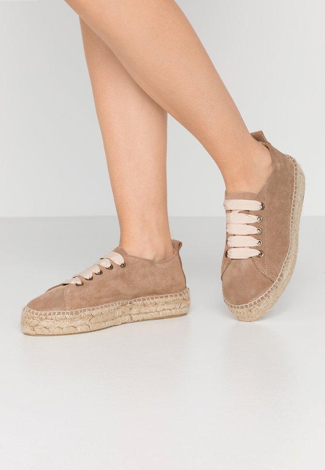 Loafers - vison
