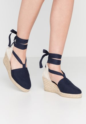 LACE UP WEDGES - Loafers - navy
