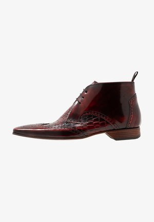 ESCOBAR WINGCAP CHUKKA - Lace-ups - college red/coco tonal