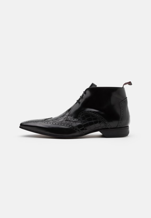 ESCOBAR MIX CHUKKA - Lace-up ankle boots - college black/coco black