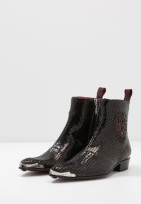 Jeffery West - ADAMANT SKULL SIP - Classic ankle boots - veri/charol red - 2