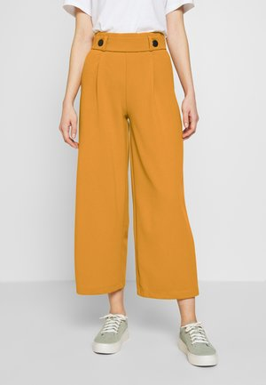 GEGGO ANCLE PANT - Bukse - golden yellow