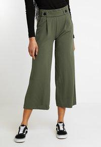 JDY - JRS NOOS - Pantalon classique - thyme - 0