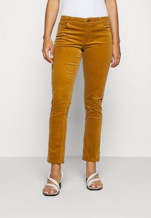 JDYERA - Trousers - golden brown