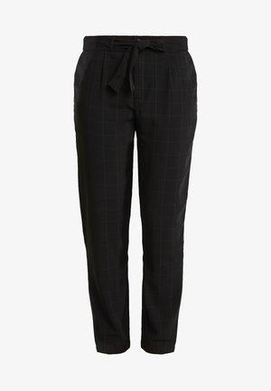 JDYOMA BELT PANT - Trousers - black/arabian spice