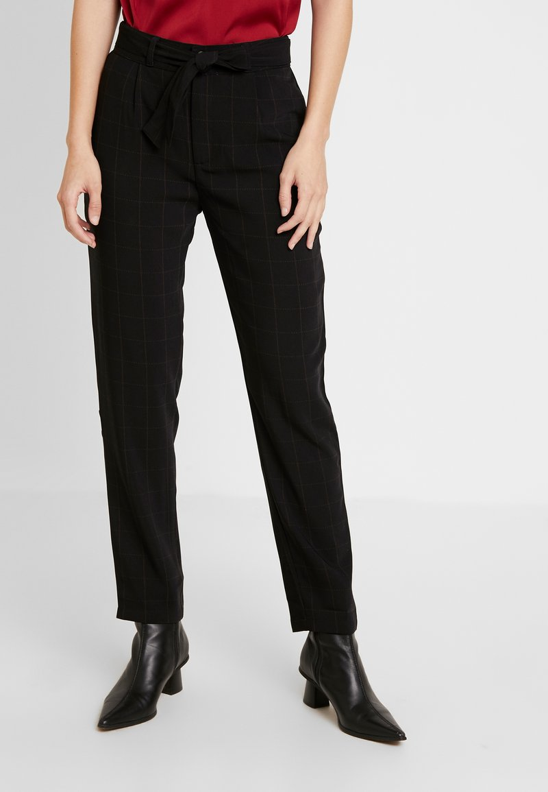 JDY - JDYOMA BELT PANT - Trousers - black/arabian spice