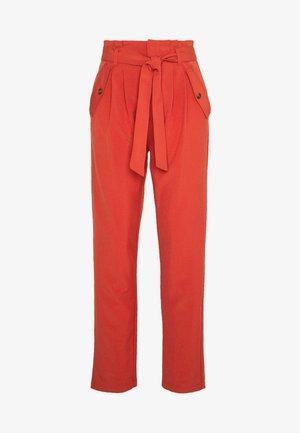 JDYSELMA PAPERWAIST PANT - Trousers - hot sauce