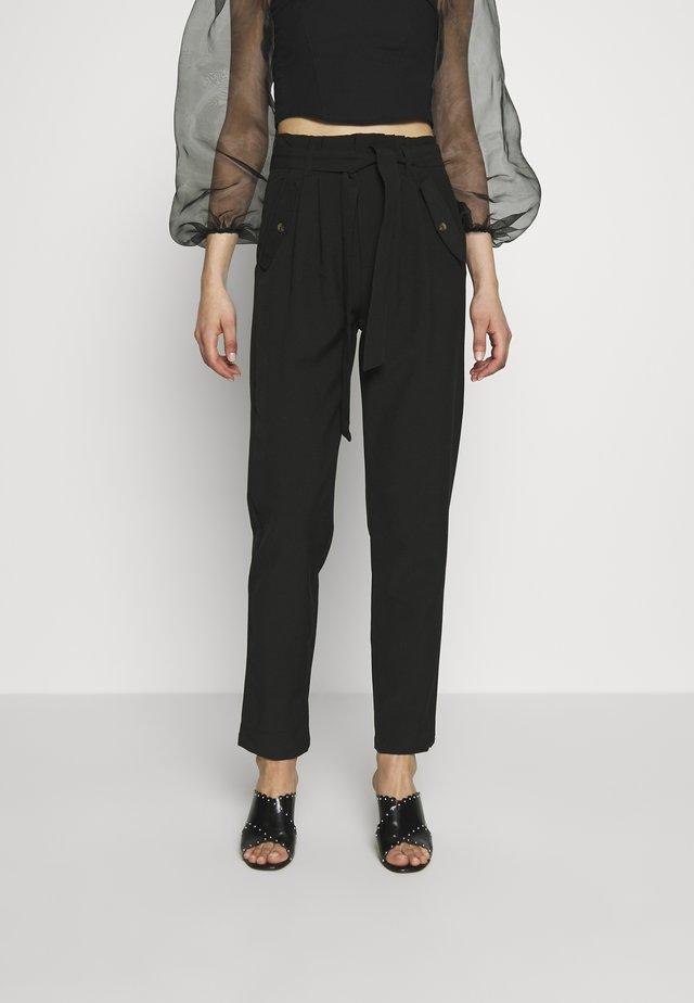 JDYSELMA PAPERWAIST PANT - Spodnie materiałowe - black