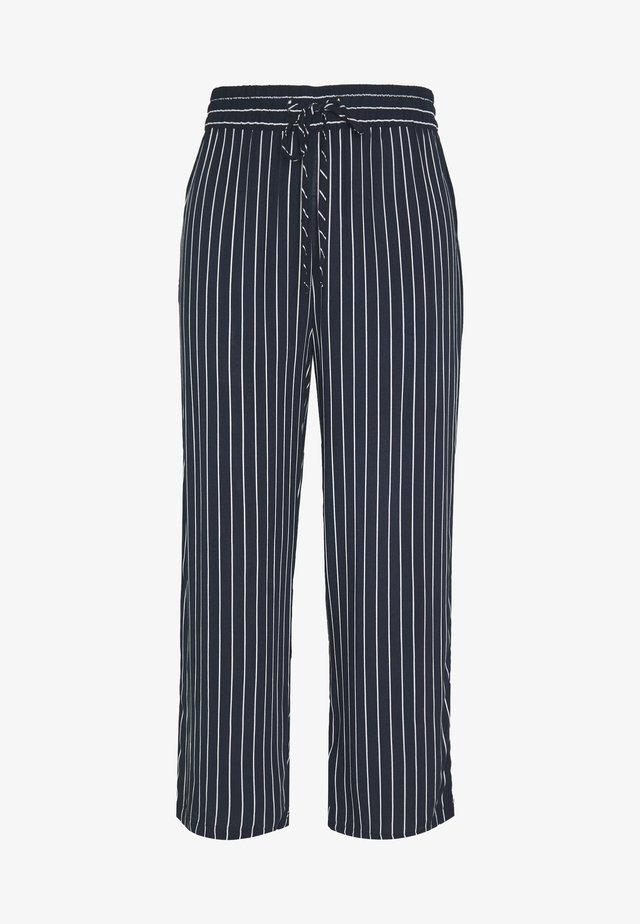 JDYSTARR LIFE WIDE CROPPED PANT - Pantaloni - sky captain/cloud dancer stripe