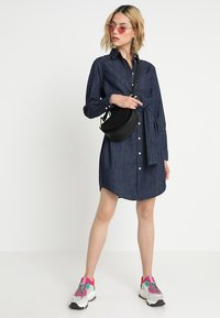 JDY - JDYESRA SHIRT DRESS  - Dongerikjole - dark blue denim - 2