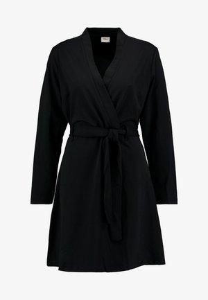 MIT LANGEN ÄRMELN DETAILREICHES - Žerzejové šaty - black