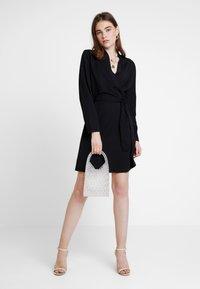 JDY - MIT LANGEN ÄRMELN DETAILREICHES - Jerseyklänning - black - 1