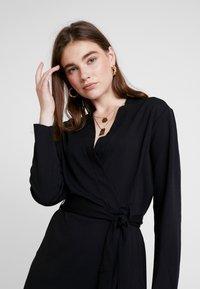 JDY - MIT LANGEN ÄRMELN DETAILREICHES - Jerseyklänning - black - 3