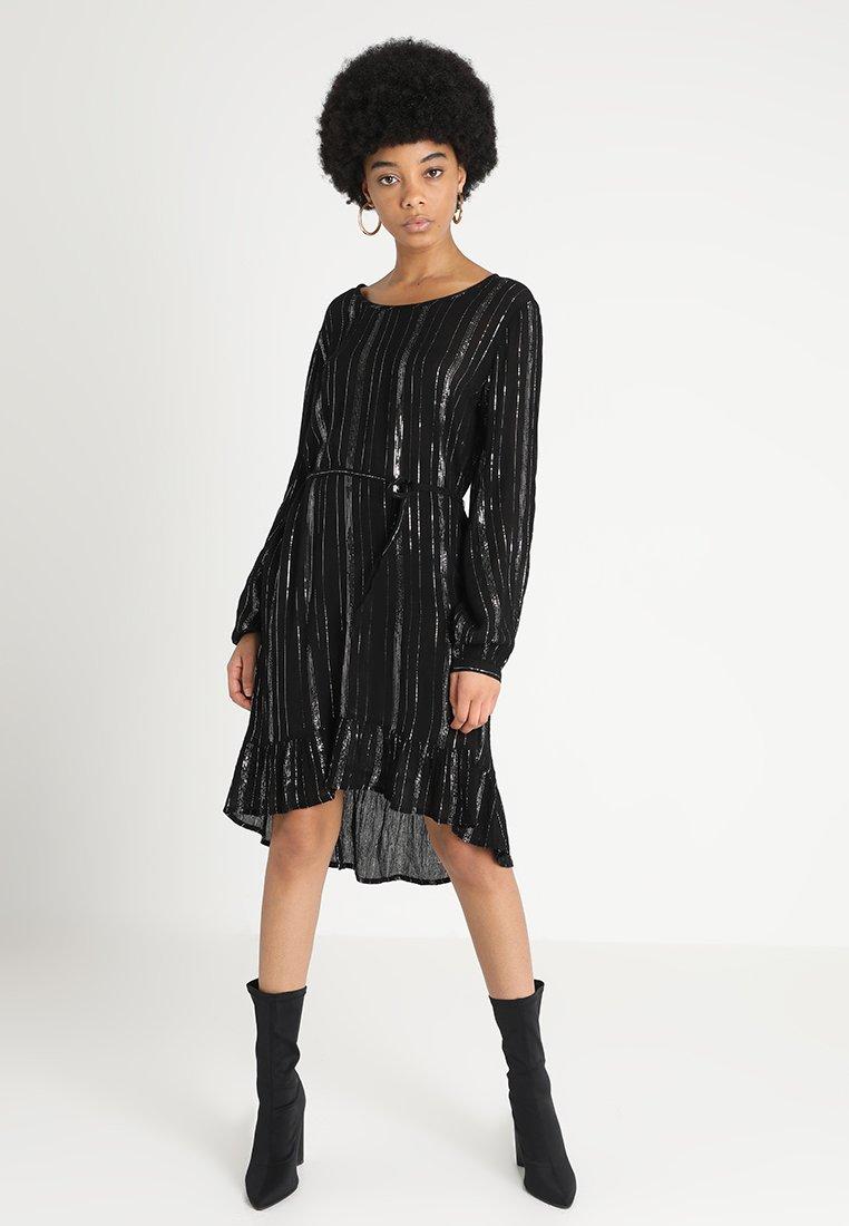 JDY - Denní šaty - pruhované