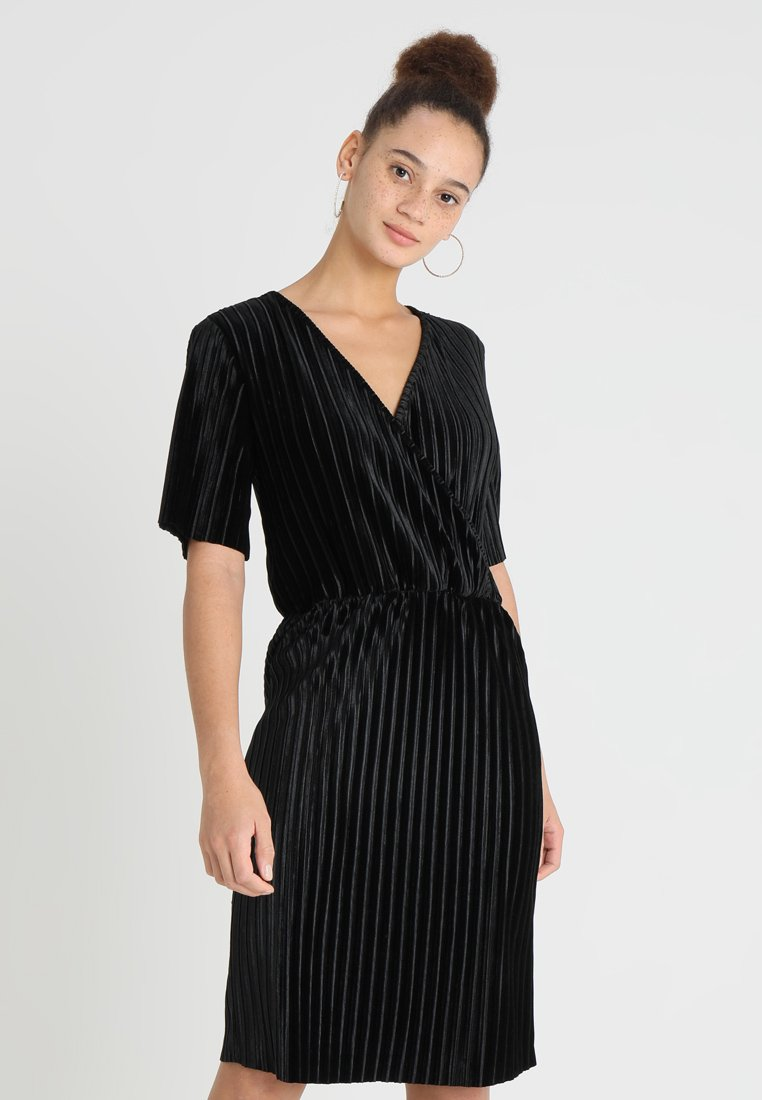 JDY - JDYANNA MARIA PLEATED DRESS - Day dress - black