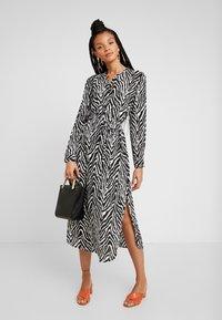 JDY - JDYSNAKEY LONG DRESS  - Robe d'été - black/white - 2