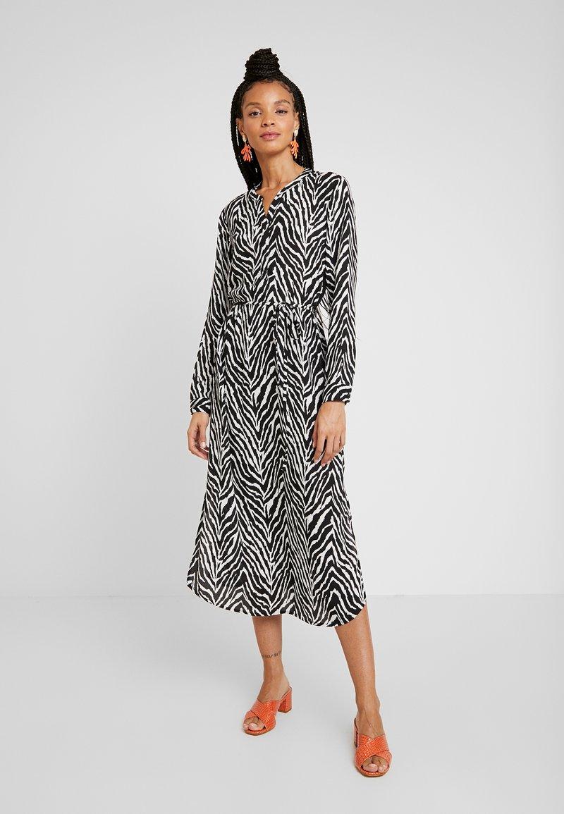JDY - JDYSNAKEY LONG DRESS  - Robe d'été - black/white