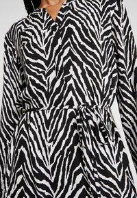 JDY - JDYSNAKEY LONG DRESS  - Robe d'été - black/white - 6