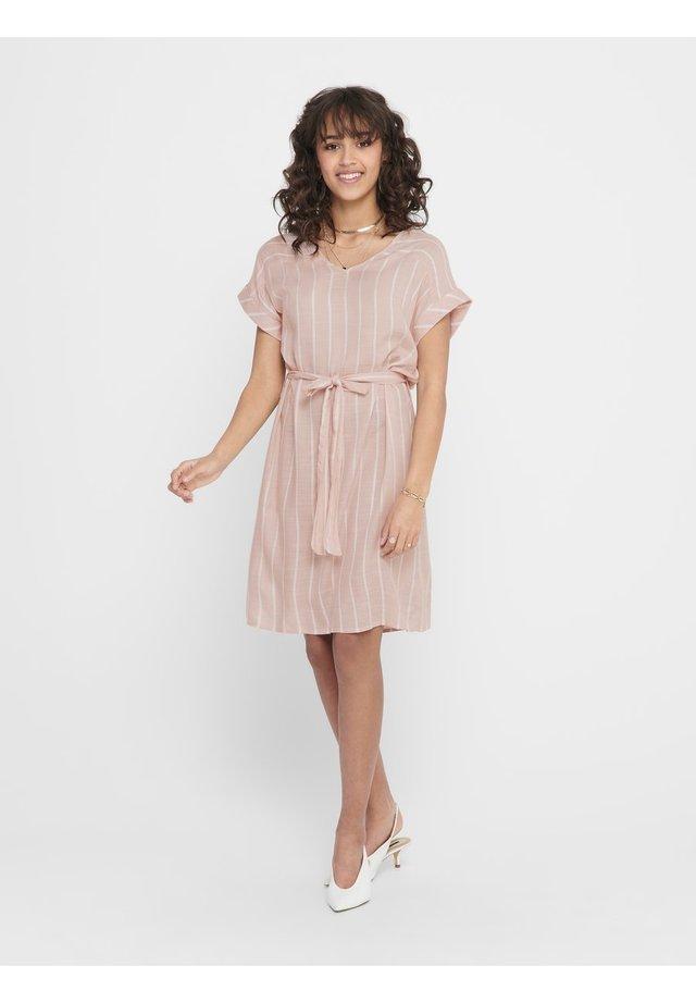 JDYJANINE DRESS - Sukienka letnia - peach whip