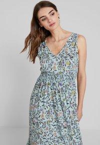 JDY - JDYLOGAN DRESS - Długa sukienka - harbor gray/multi color - 3