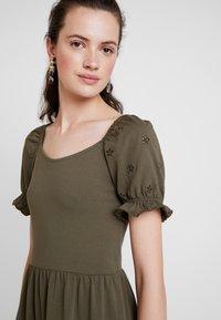 JDY - JDYVICTORIA DRESS - Jerseykjole - kalamata - 5
