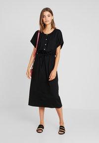JDY - JDYPERNILLE DRESS - Žerzejové šaty - black - 2
