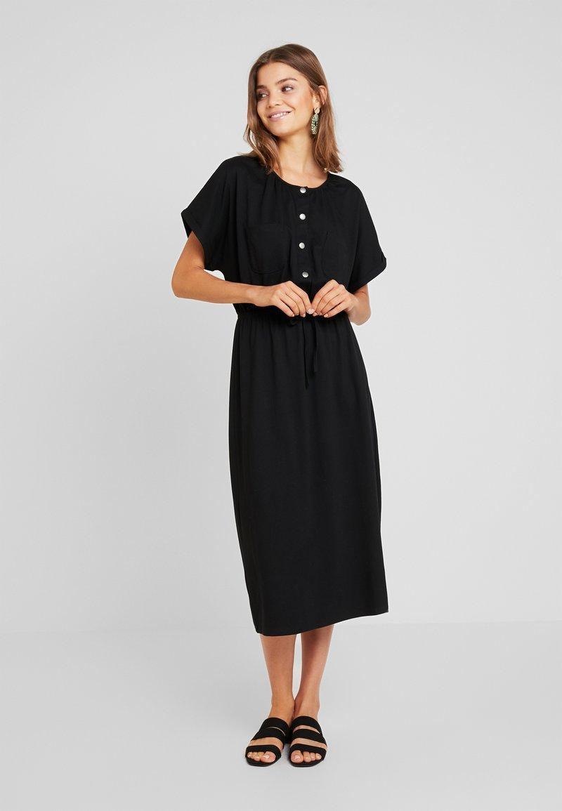 JDY - JDYPERNILLE DRESS - Žerzejové šaty - black