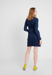 JDY - JDYSANNA SHIRT DRESS - Denimové šaty - dark blue denim - 3
