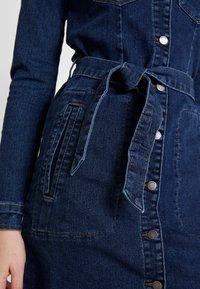 JDY - JDYSANNA SHIRT DRESS - Denimové šaty - dark blue denim - 6