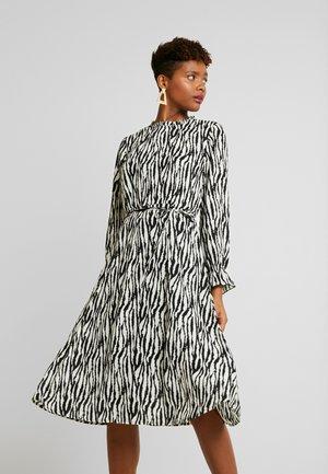 Robe d'été - black/zebra