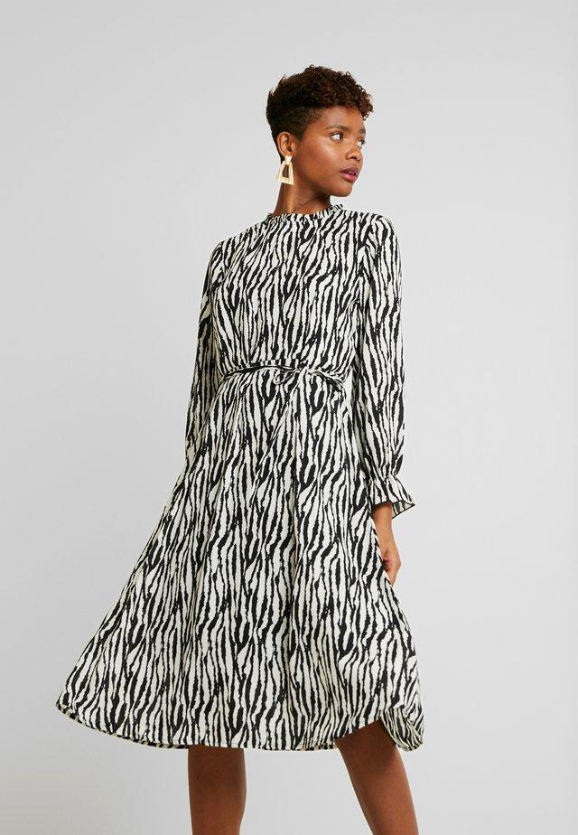 Sukienka letnia - black/zebra
