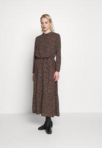 JDY - JDYRICCI DRESS - Robe longue - chicory coffee/leo - 0