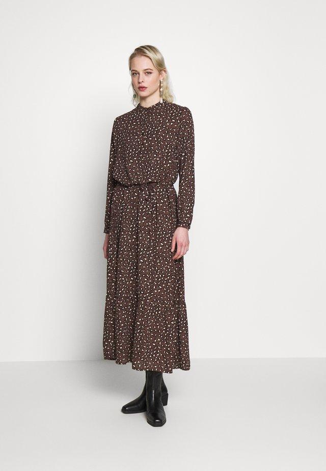 JDYRICCI DRESS - Maxi-jurk - chicory coffee/leo