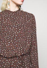 JDY - JDYRICCI DRESS - Robe longue - chicory coffee/leo - 4