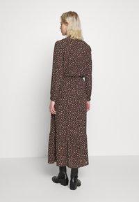 JDY - JDYRICCI DRESS - Robe longue - chicory coffee/leo - 2