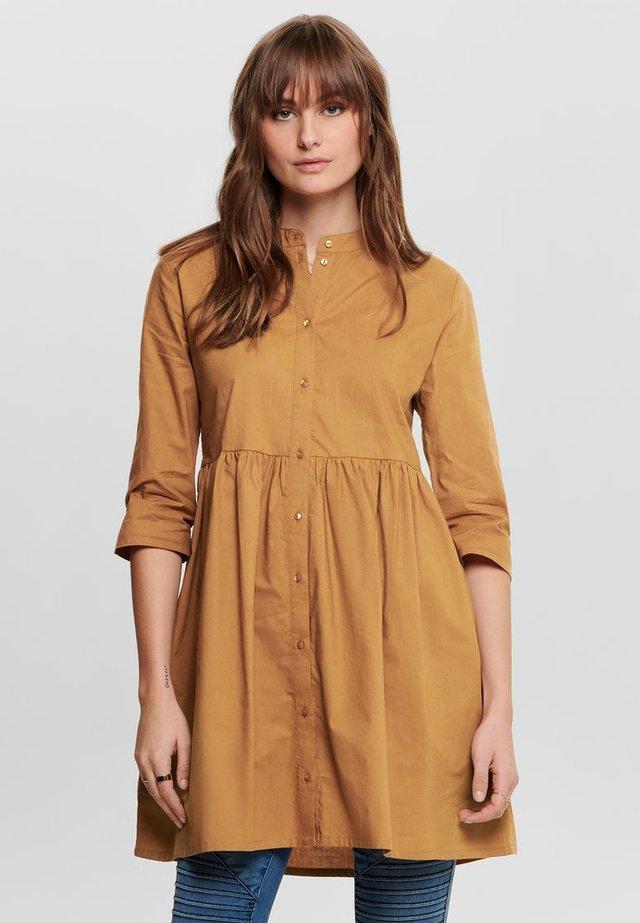 Shirt dress - lion