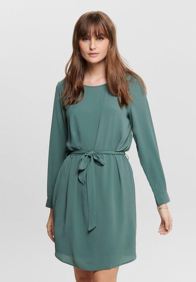 Vapaa-ajan mekko - balsam green
