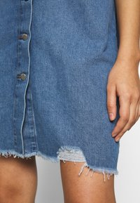JDY - JDYSANSA DRESS RAW  - Dongerikjole - medium blue denim - 6