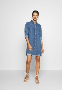 JDY - JDYSANSA DRESS RAW  - Spijkerjurk - medium blue denim - 1