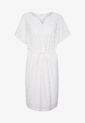 JDYTAG BELT DRESS - Pletené šaty - cloud dancer