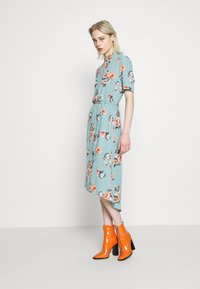 JDY - JDYPIPER HIGHNECK DRESS - Kjole - chinois green - 1
